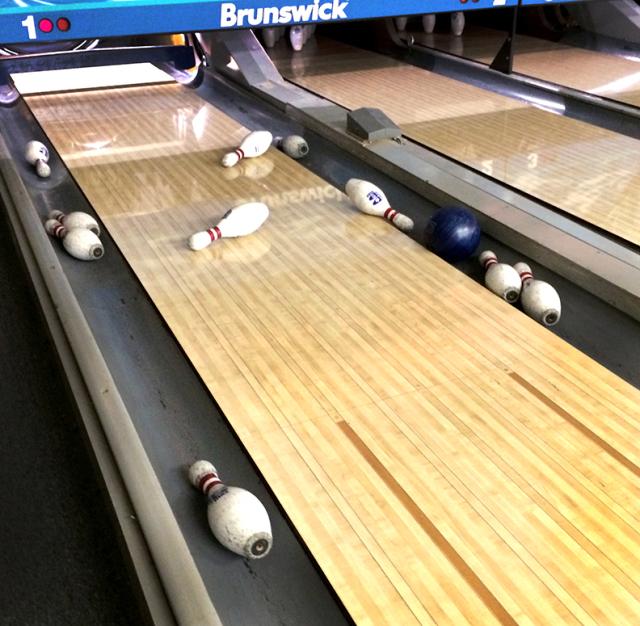 bowling_pins